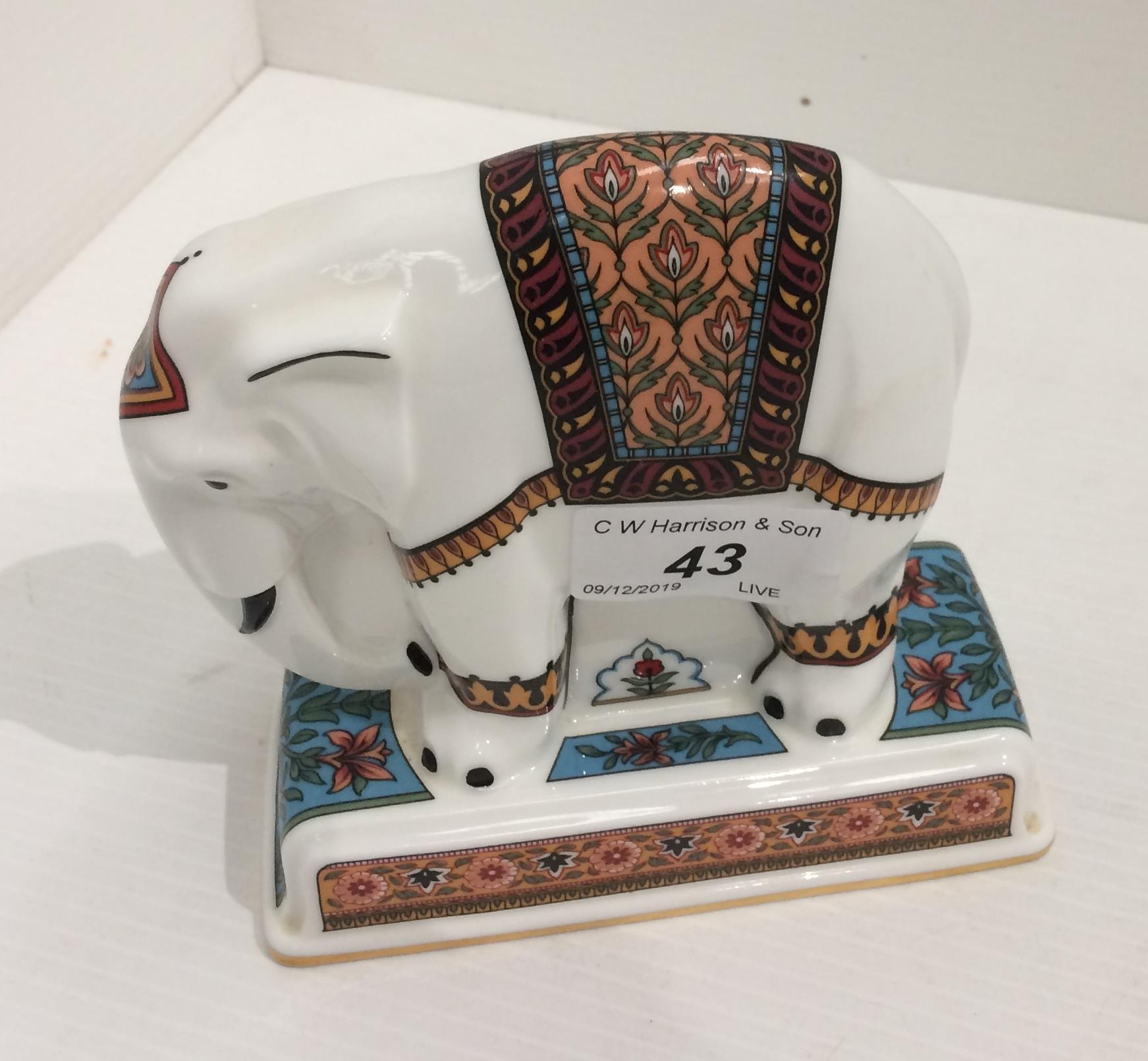 Lot 43 - A Wedgwood bone china collection Noah's Ark Collection elephant - 13½cm