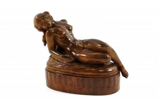Art deco beeld gestoken houten art deco sculptuur met voorstelling