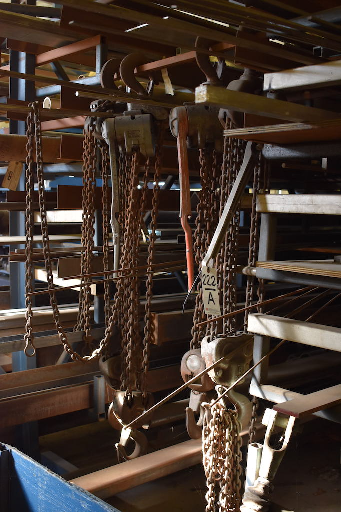 Lot 222A - LOT: HAND OPERATED LEVER HOISTS