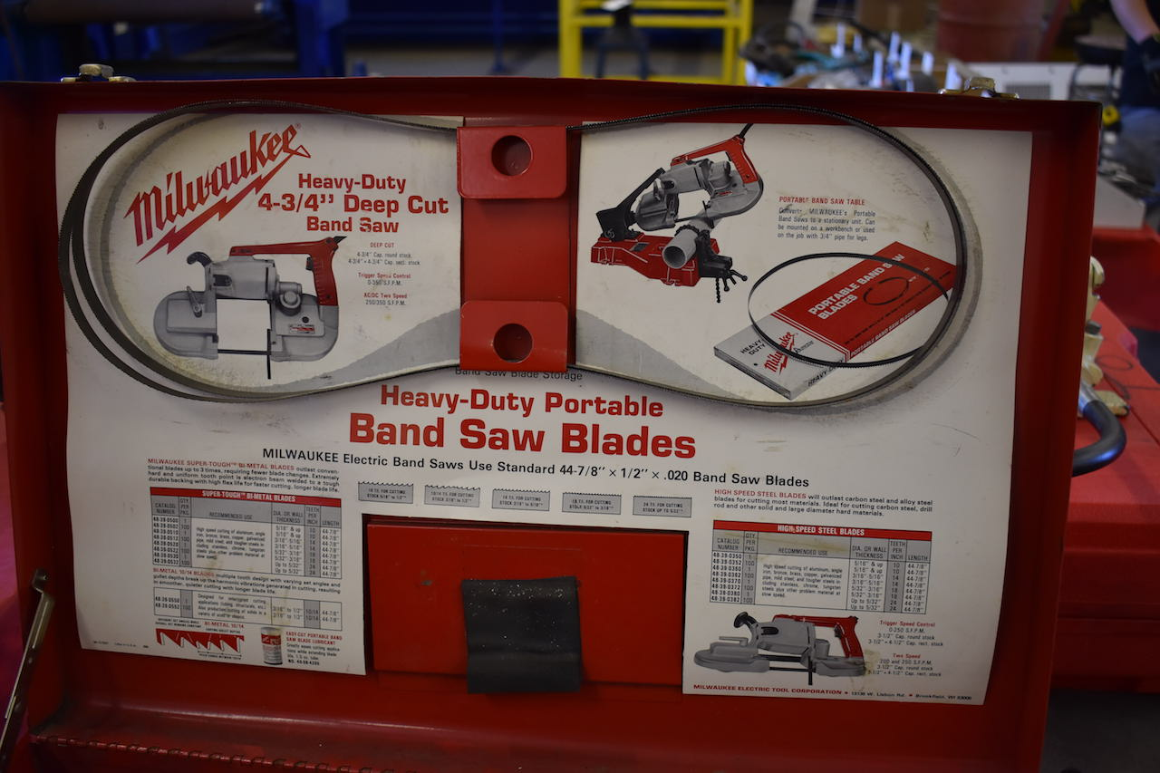 "Lot 29 - MILWAUKEE 4-3/4"" HEAVY-DUTY DEEP CUT BAND SAW"