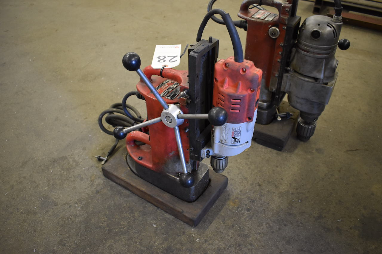 Lot 28 - MILWAUKEE CAT. NO. 4202 ELECTRO MAGNETIC DRILL PRESS: S/N 0005981881