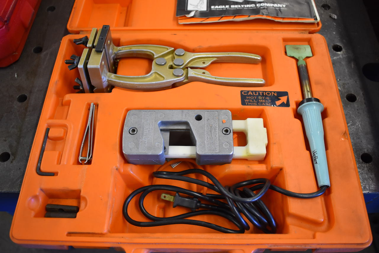 Lot 31 - EAGLE URETHANE BELTING WELD-SPLICING KIT