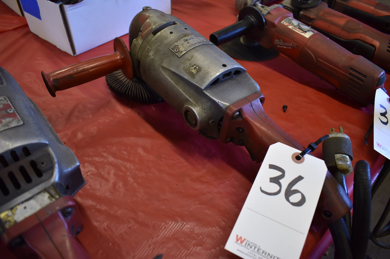 Lot 36 - MILWAUKEE ELECTRIC SANDER