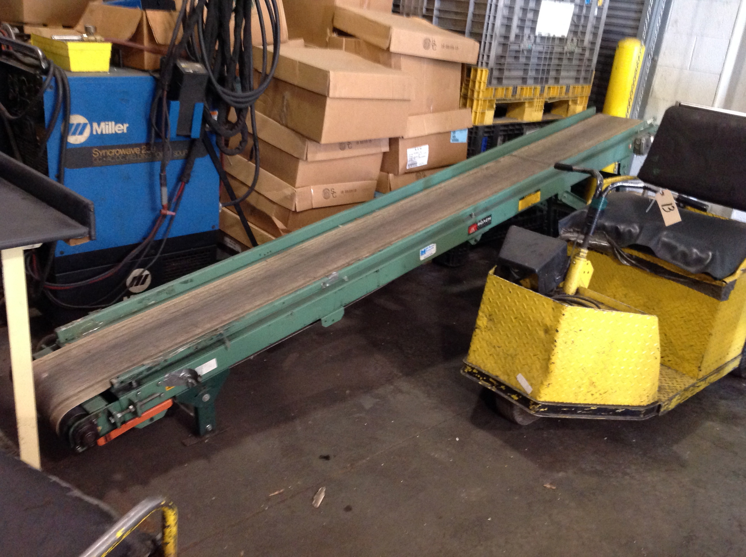 Roach motorized belt conveyor Motorized conveyor belt