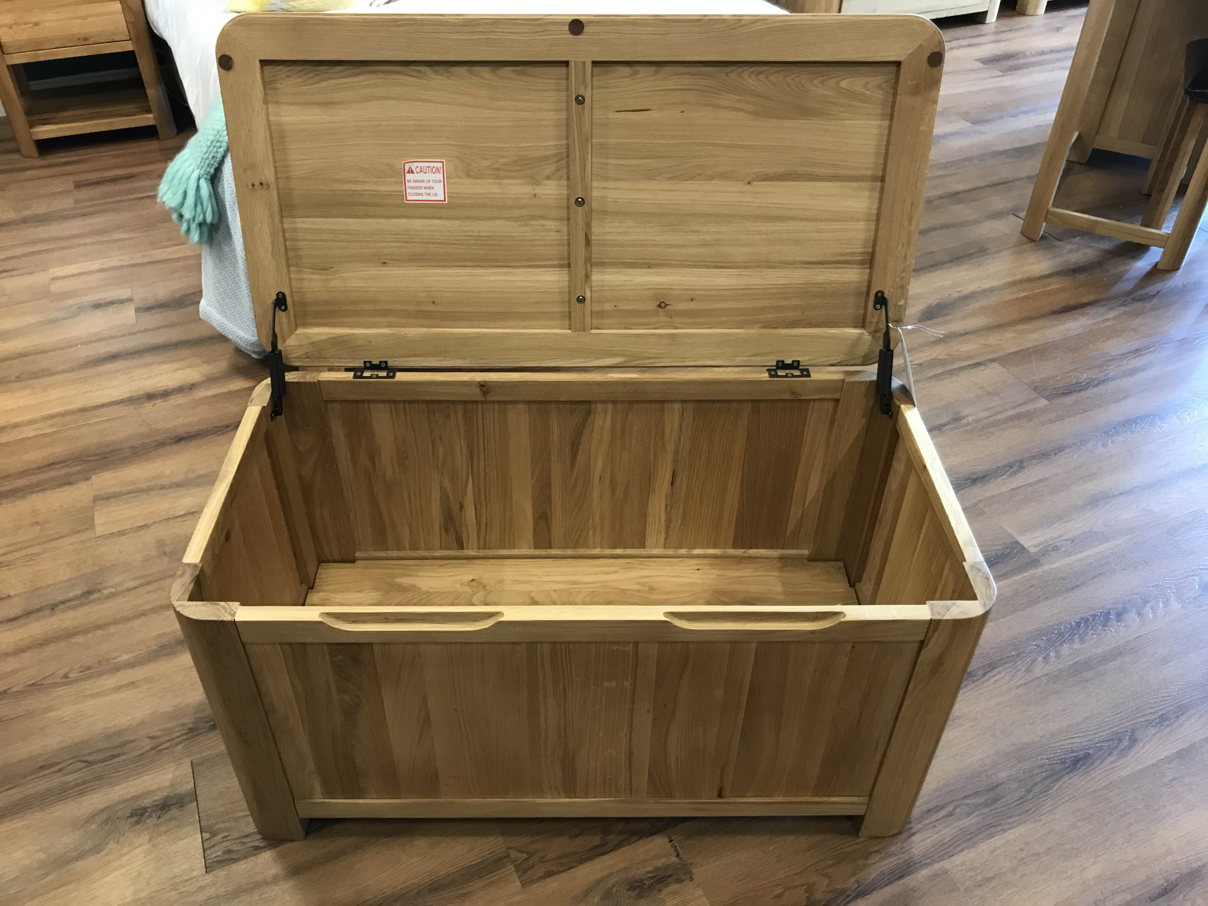Chest (Romsey) See Picture For Dimensions and Product Info