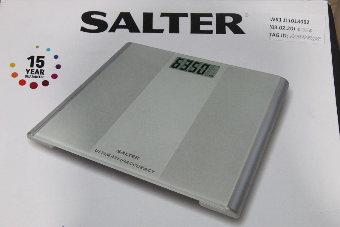 Lot 106 - Boxed Pairs of Salta Ultimate Accuracy, Analyser Weighing Scales, RRP£25-35.00 Each (RET00972737) (