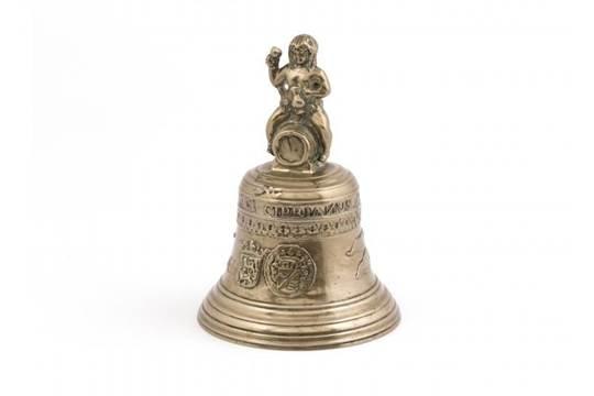 Antieke Bronzen Bel.Bronzen Bel Hollandse Antieke Bronzen Bel Met Handgreep In De Vorm