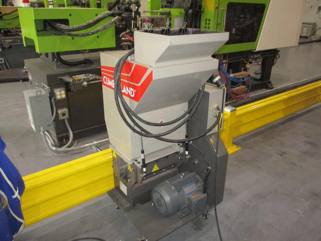 Lot 1003 - 2015 Cumberland 5 HP Scrap Grinder w/ Blower - Model: 6516; Includes Model A24F0 Blower and
