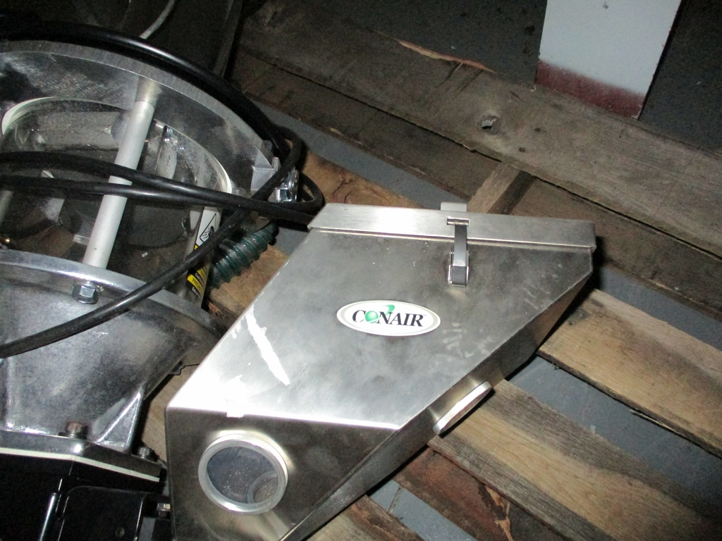 Lot 1020 - Conair Gravimetric Feed Assembly - Includes: TrueFeed Gravimetric Feeder w/ Control, Colormix, TLM