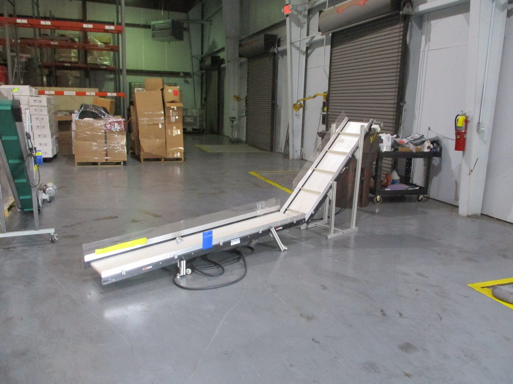 """Lot 1021 - Mini Mover Conveyor - 15"""" Wide; Bottom Length 7'; 50"""" Discharge Height; 220V"""