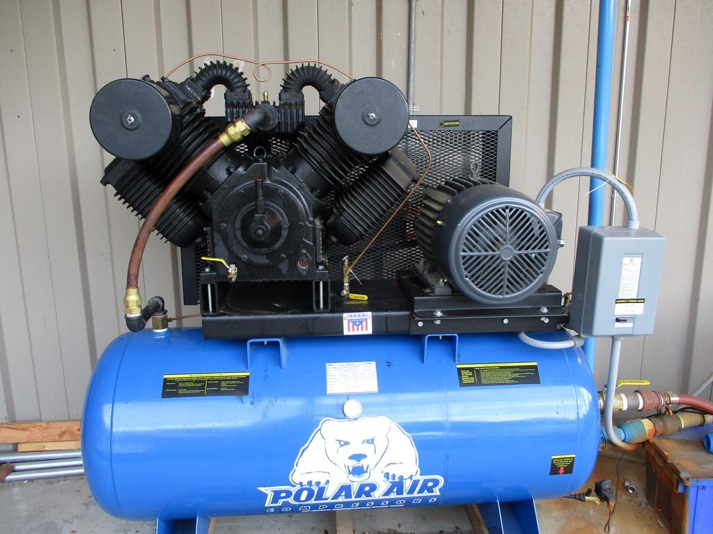 Lot 1001 - 2018 Polar 20 HP Air Compressor w/ Air Dryer - Model PP20H120V3; 175 PSI Max. - 89 SCFM; 120