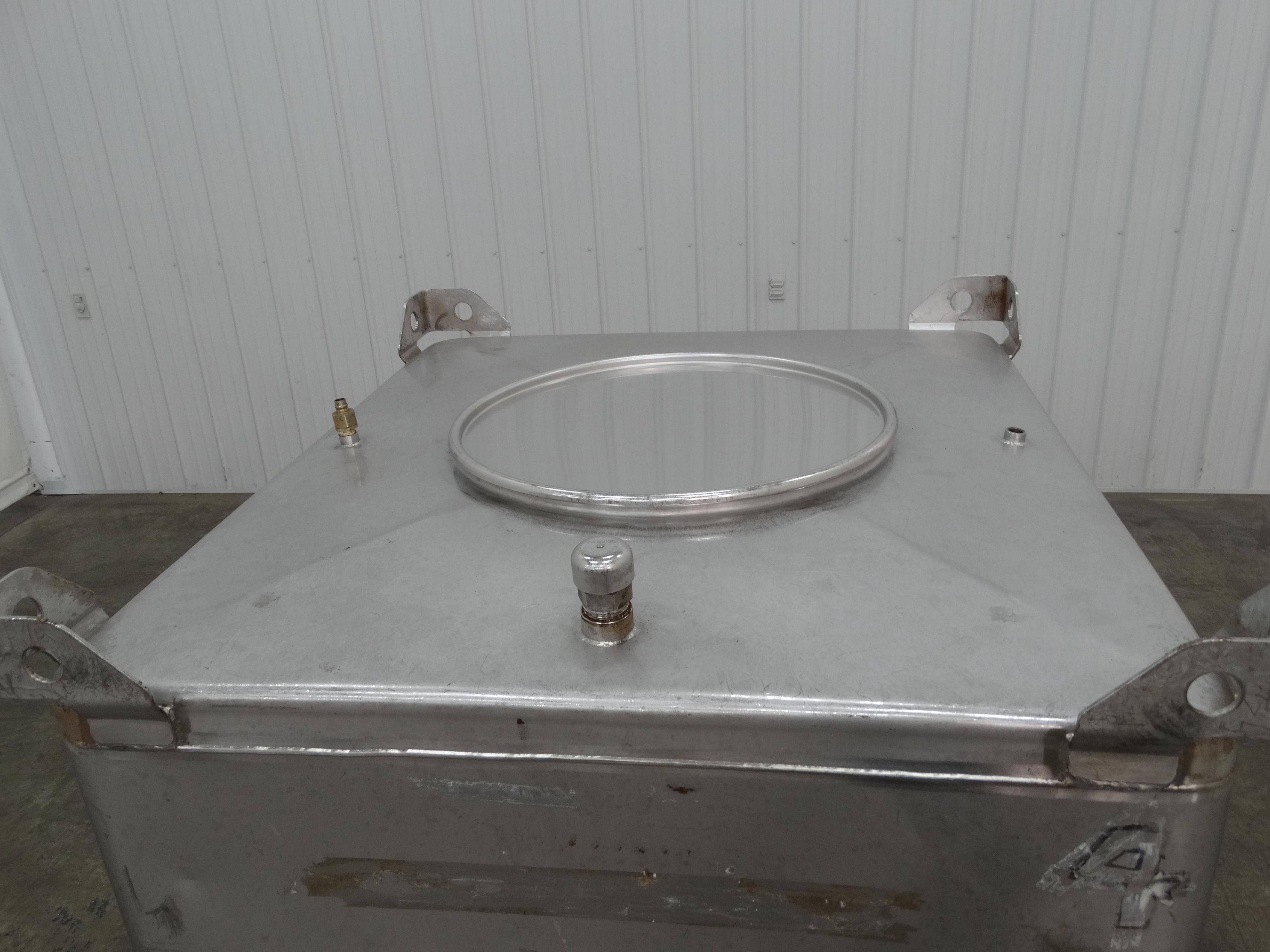 MPE Systems 220 Gallon Stainless Steel Tote D1519 - Image 5 of 7