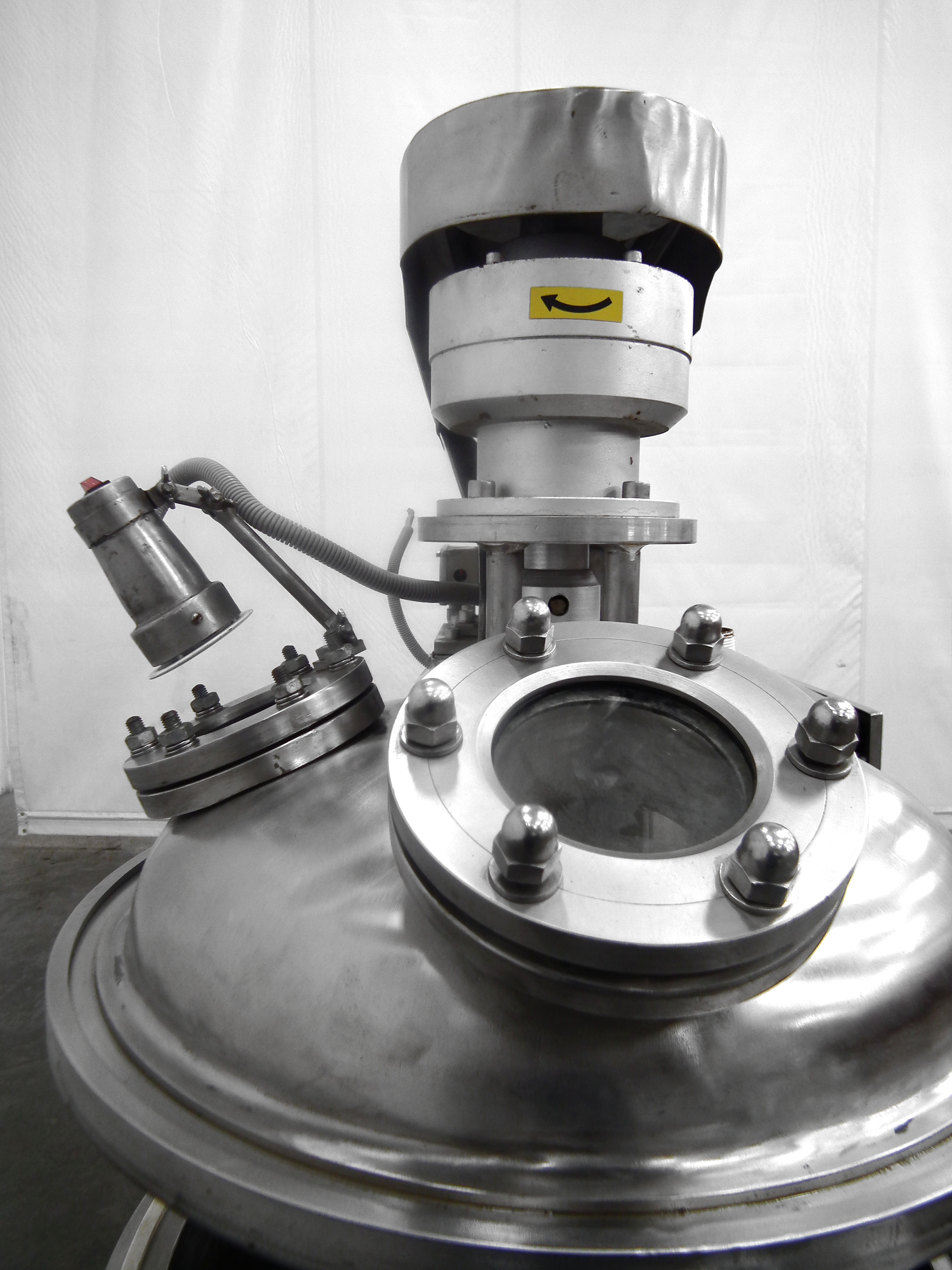 Mega Engineering HPE-VA 40 Gallon Pressure Mixer B3864 - Image 9 of 10
