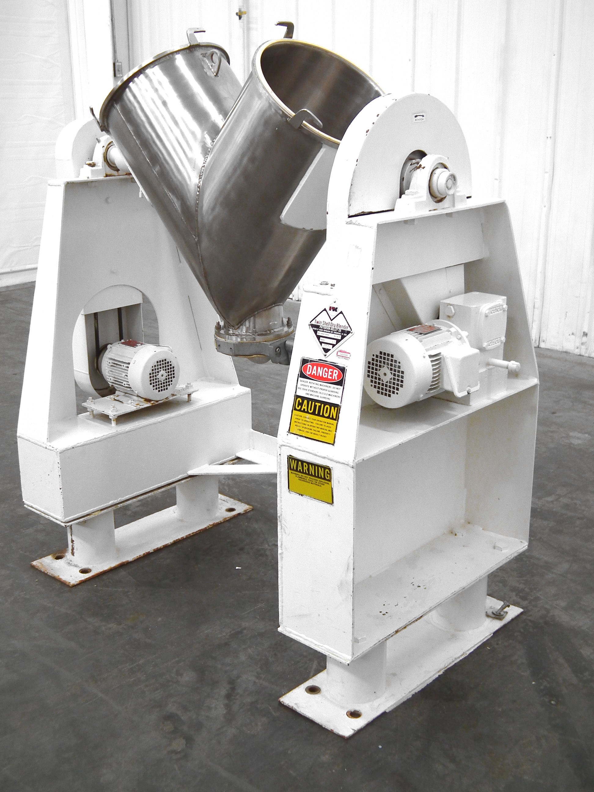 Patterson-Kelley Twin Shell 2 Cubic Foot Dry Mixer A4767 - Image 3 of 8