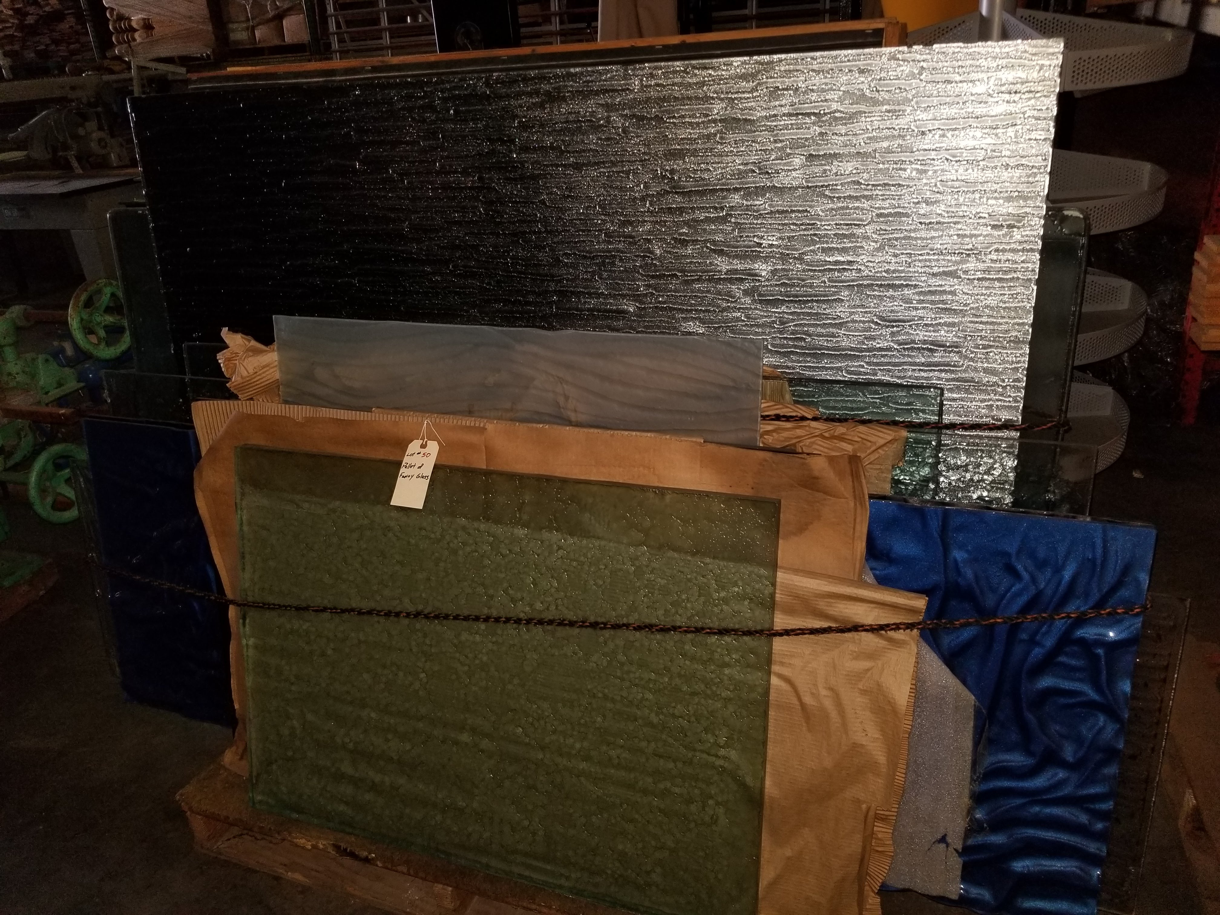 Pallet of Fancy Glass - Image 4 of 7