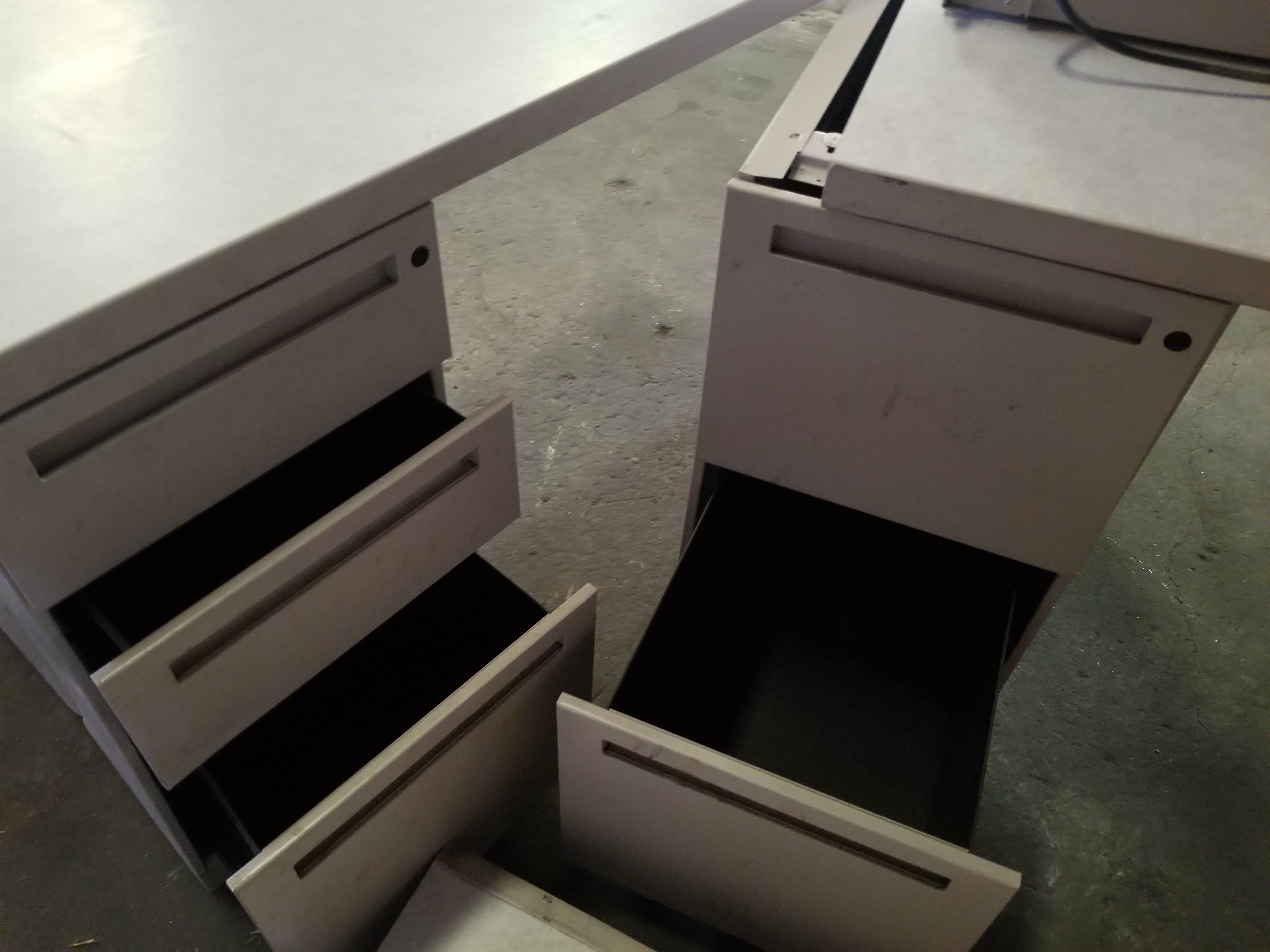 Grey Office Tables with walls & 3 - Grey Filing Cabinets - Image 4 of 7