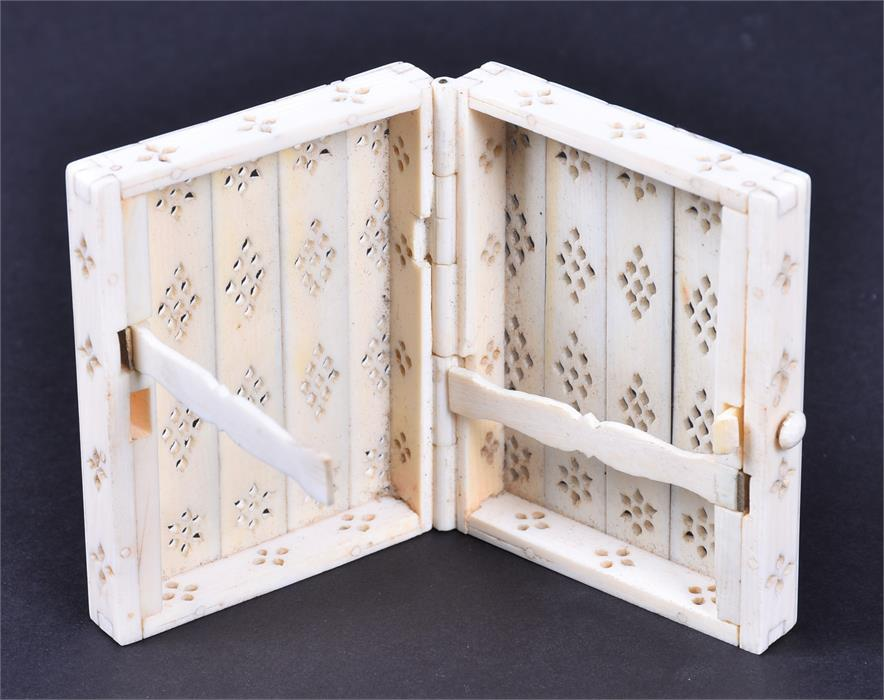 Lot 172A - A selection of worked antique Indian Ivory early 20th century or earlier, to include a small