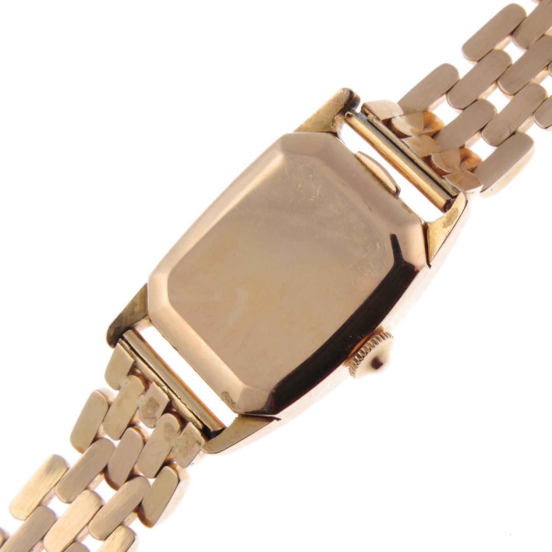 Lot 53 - HAMILTON - a mid-size bracelet watch.