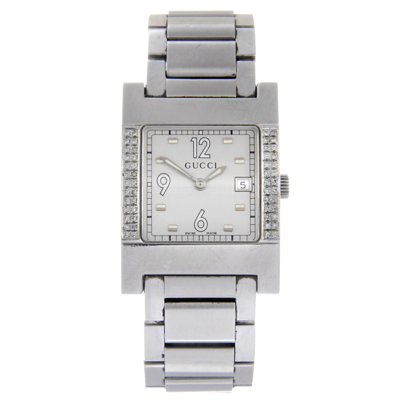 GUCCI - a gentleman's 7700M bracelet watch.