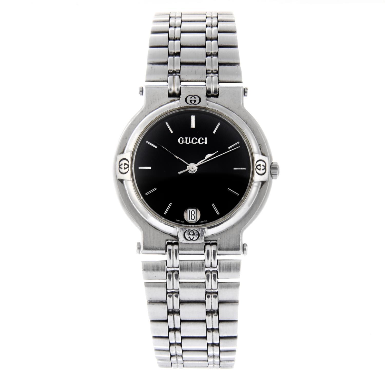 Lot 46 - GUCCI - a gentleman's 9100M bracelet watch.