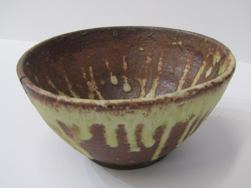 STUDIO POTTERY, Ian Godfrey collection of 4 bowls of various sizes and glazes - Image 5 of 6