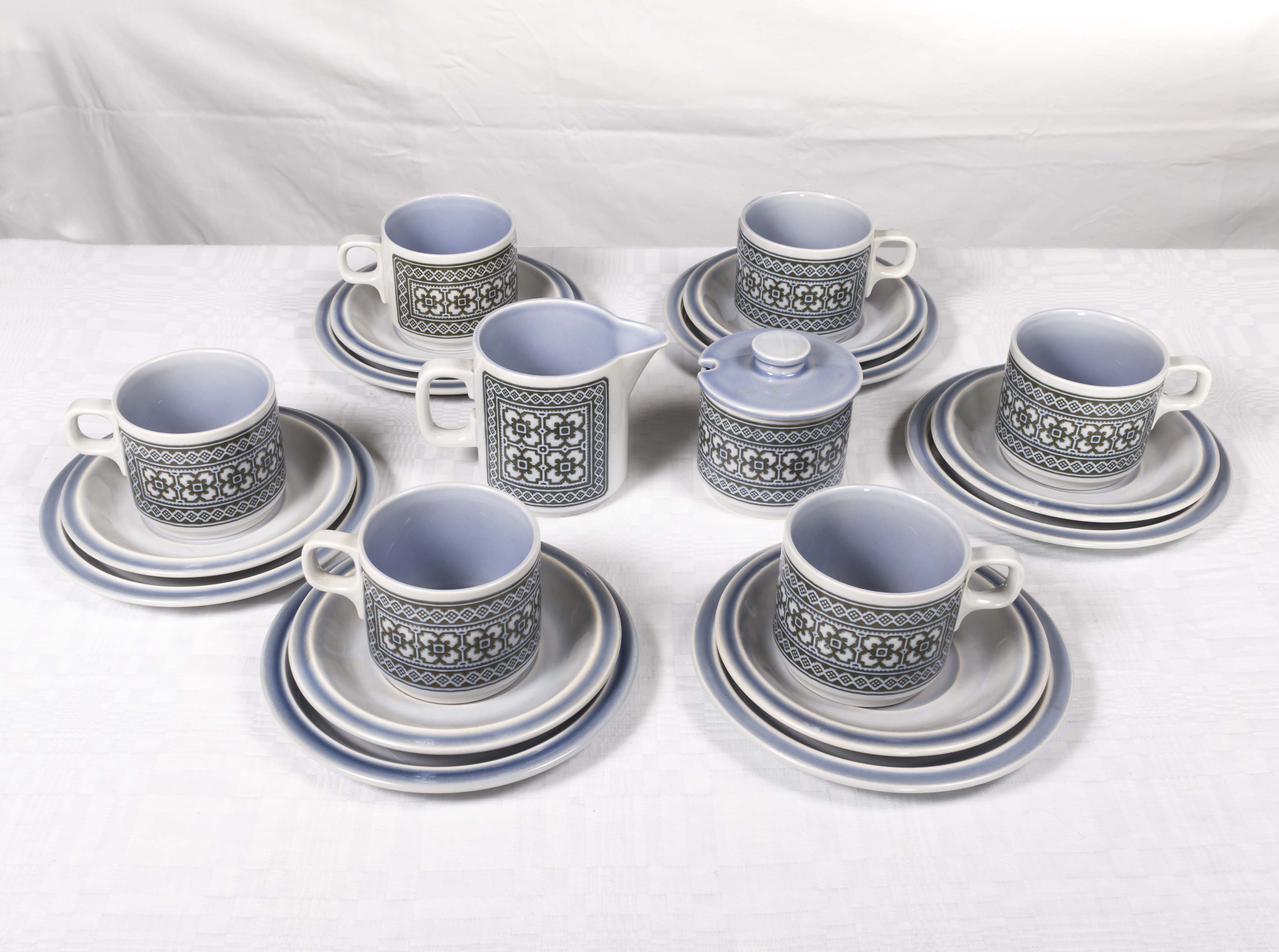 Lot 36 - A Hornsea 'Tapestry' design part tea set