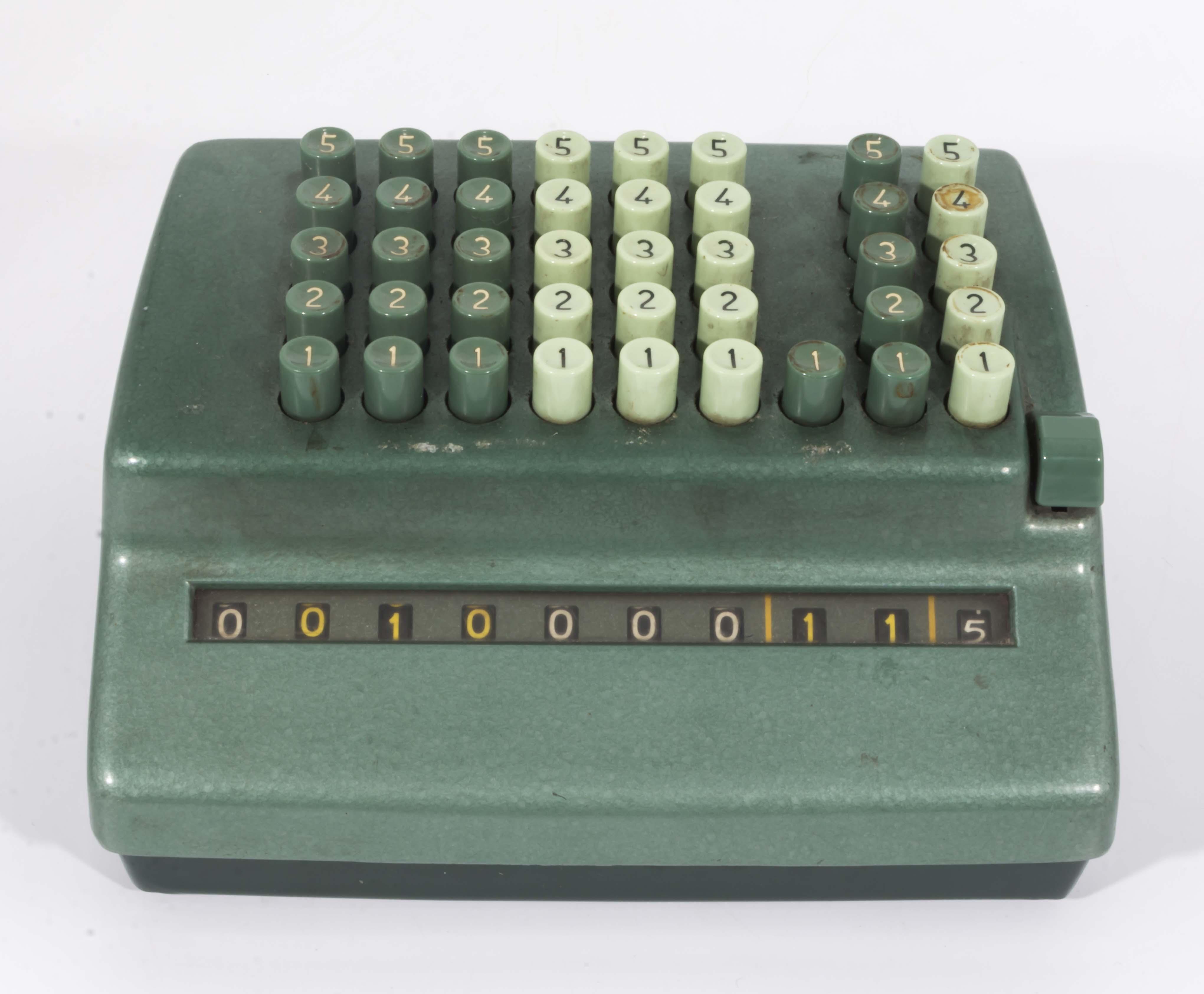 Lot 6 - A vintage Bakelite counting machine