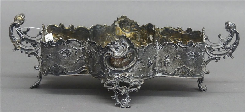 Zierschale 800er Silber, punziert, Reliefdekor, auf 4 Füßchen, Glaseinsatz fehlt, ca 305g, h 8 cm,