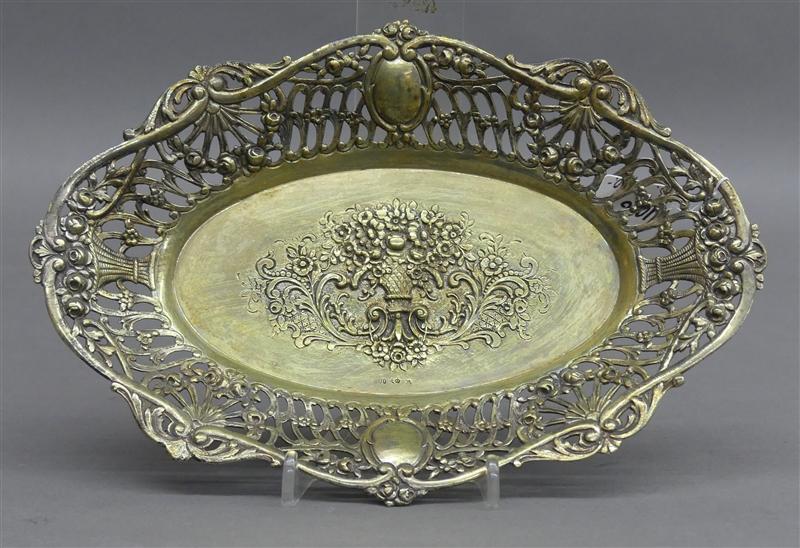 Silberschale durchbrochener Rand, teilvergoldet, mittig reliefierter Blumenkorb, punziert, um 1930,