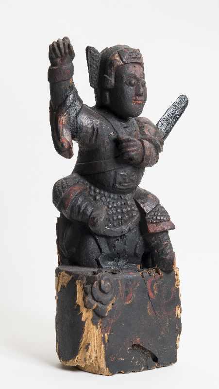 WÄCHTERGOTTHEIT MIT SCHWERT Holz mit Resten alter Bemalung. China, 18. – 19. Jh. CHINA, 18. – 19. - Image 4 of 8
