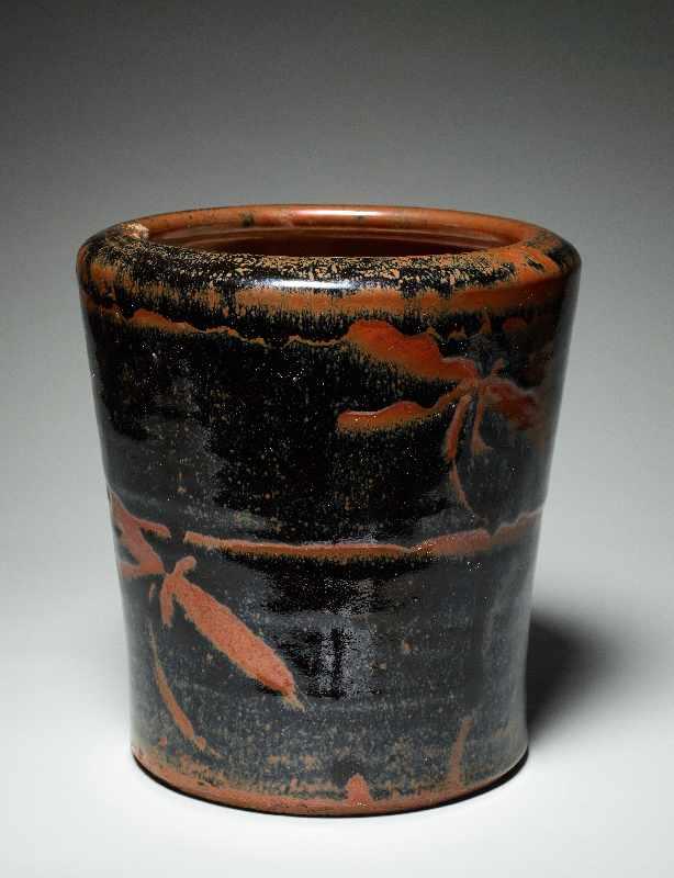 TOPFGEFÄSS Glasierte Keramik. Japan, ca. Meiji bis danach Hohe, etwas nach außen gebogen sich - Image 3 of 5