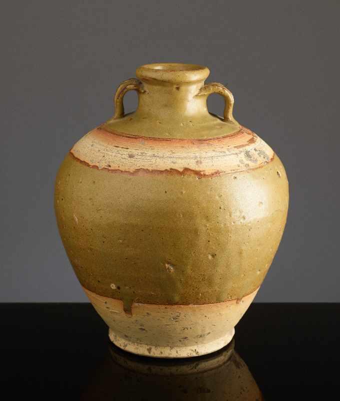 KUGELIGES TOPFGEFÄSSGlasierte Henan-Keramik. China, Ming bis Qing, ca. 16. Jh. – 18.Jh. Kugelige