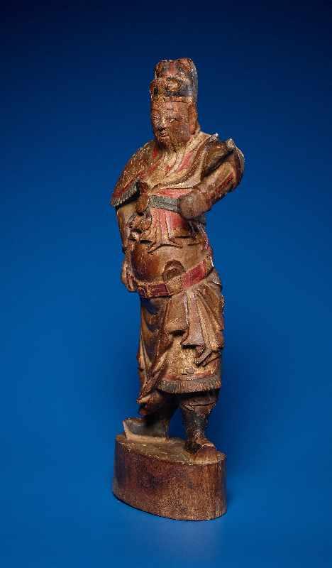 ZWEI GOTTHEITEN Holz mit Farben und Vergoldung. China, sp. Qing-Dynastie, 19. Jh. Zwei Figuren aus - Image 8 of 9