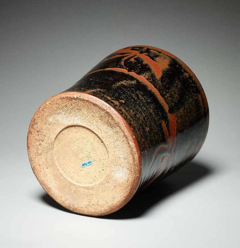 TOPFGEFÄSS Glasierte Keramik. Japan, ca. Meiji bis danach Hohe, etwas nach außen gebogen sich - Image 5 of 5