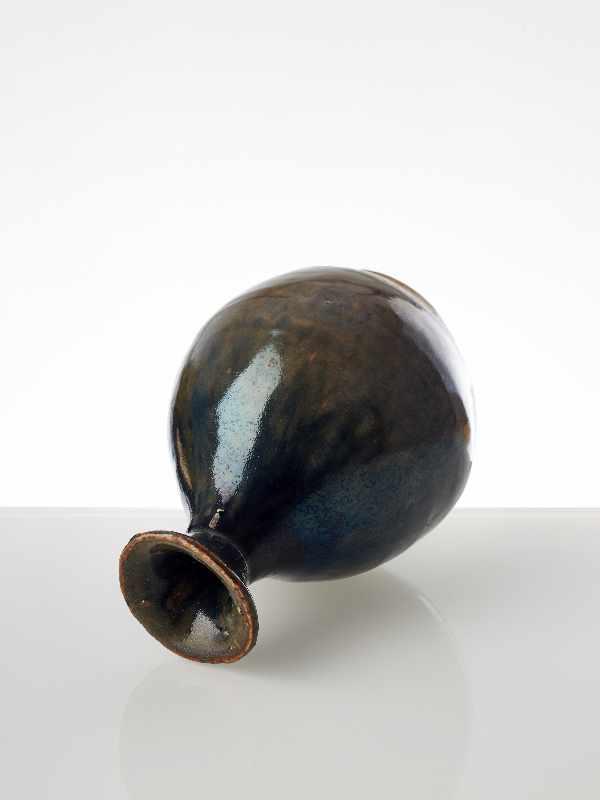 FLASCHENFÖRMIGE VASE Glasierte Keramik. China, möglicherweise Song, 13. Jh. bis danach - Image 5 of 6