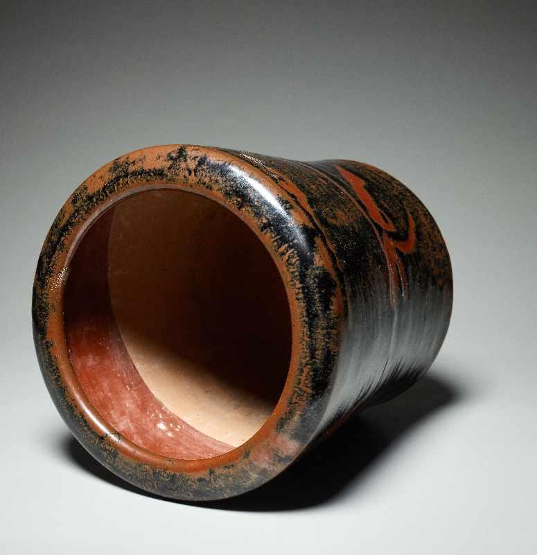 TOPFGEFÄSS Glasierte Keramik. Japan, ca. Meiji bis danach Hohe, etwas nach außen gebogen sich - Image 4 of 5