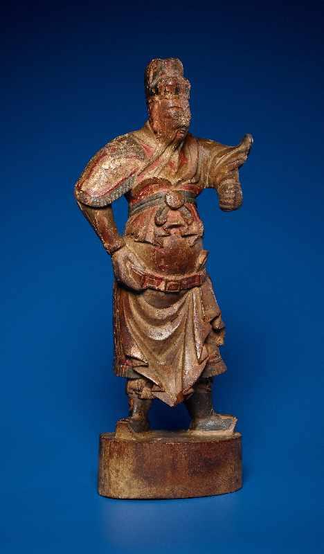 ZWEI GOTTHEITEN Holz mit Farben und Vergoldung. China, sp. Qing-Dynastie, 19. Jh. Zwei Figuren aus - Image 7 of 9
