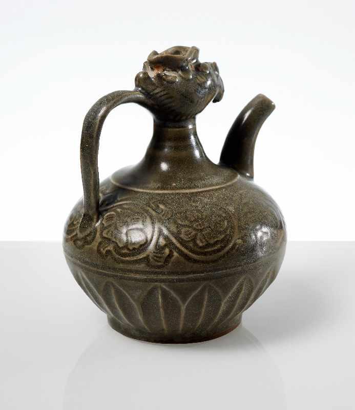 VASE MIT PHÖNIX-KOPF Steingut. China, möglicherweise Song- bis Yuan, ca. 13. bis 14. Jh. Kleine - Image 4 of 6
