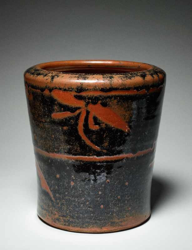 TOPFGEFÄSS Glasierte Keramik. Japan, ca. Meiji bis danach Hohe, etwas nach außen gebogen sich