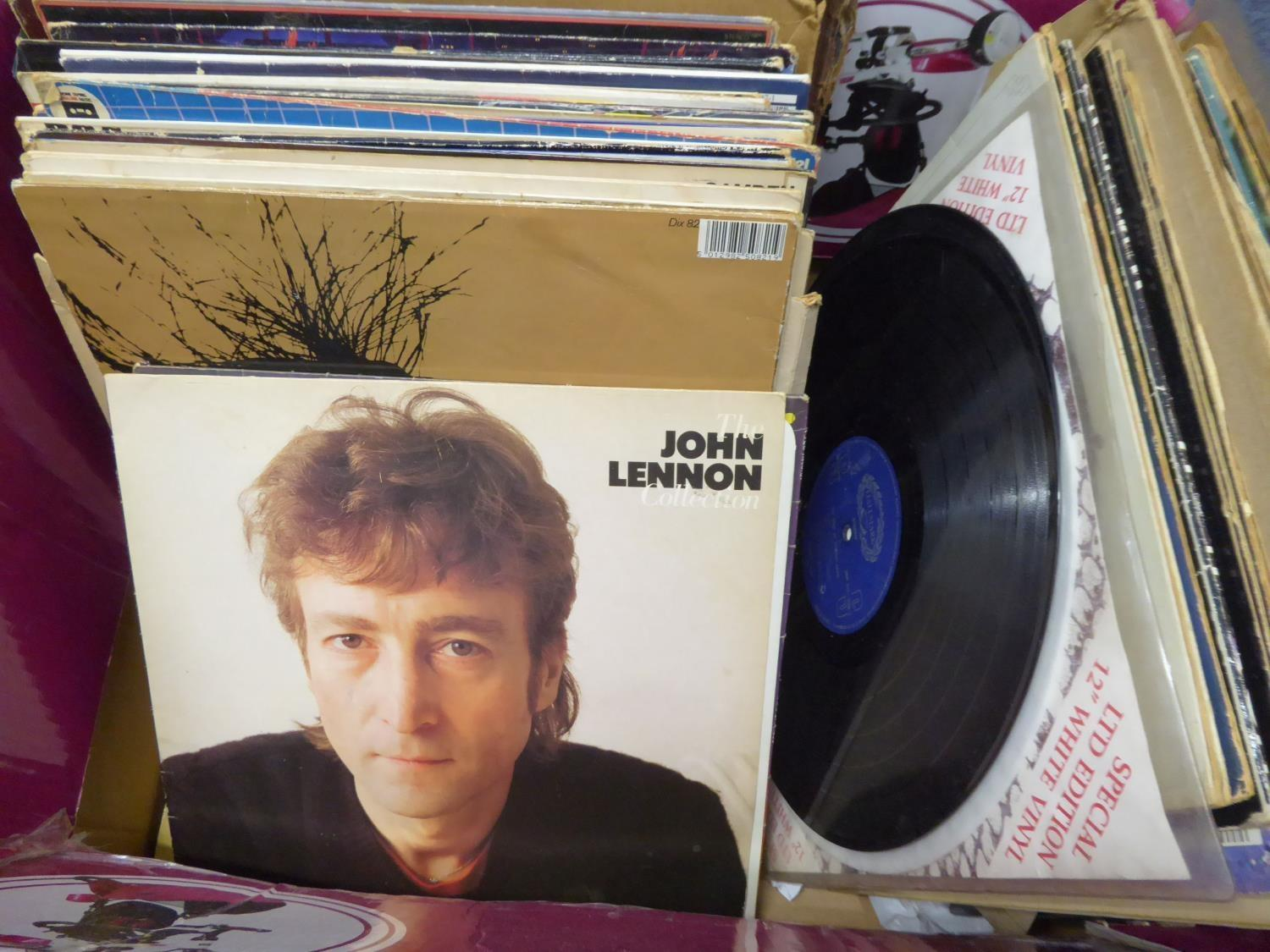 Lot 409 - RECORDS VINYL - A SELECTION OF MIXED GENRE ALBUMS TO INCLUDE; POP, ROCK ETC... ARTISTS TO INCLUDE;