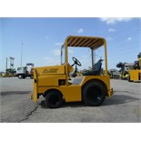 TOW TRACTOR, UNITED 3,400 LB. CAP. MDL. SM340F-5, S/N 17038   ($75 loading charge)  (Location M -