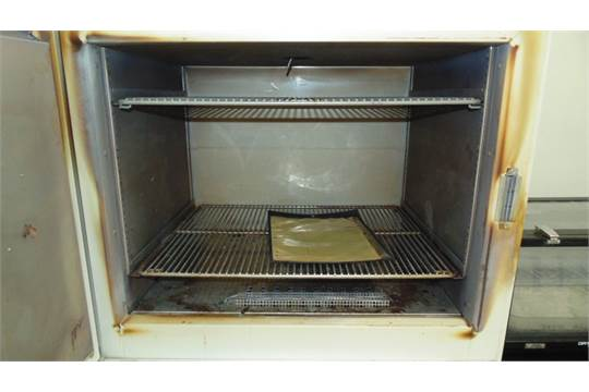 how to clean an oven with lemon juice and baking soda