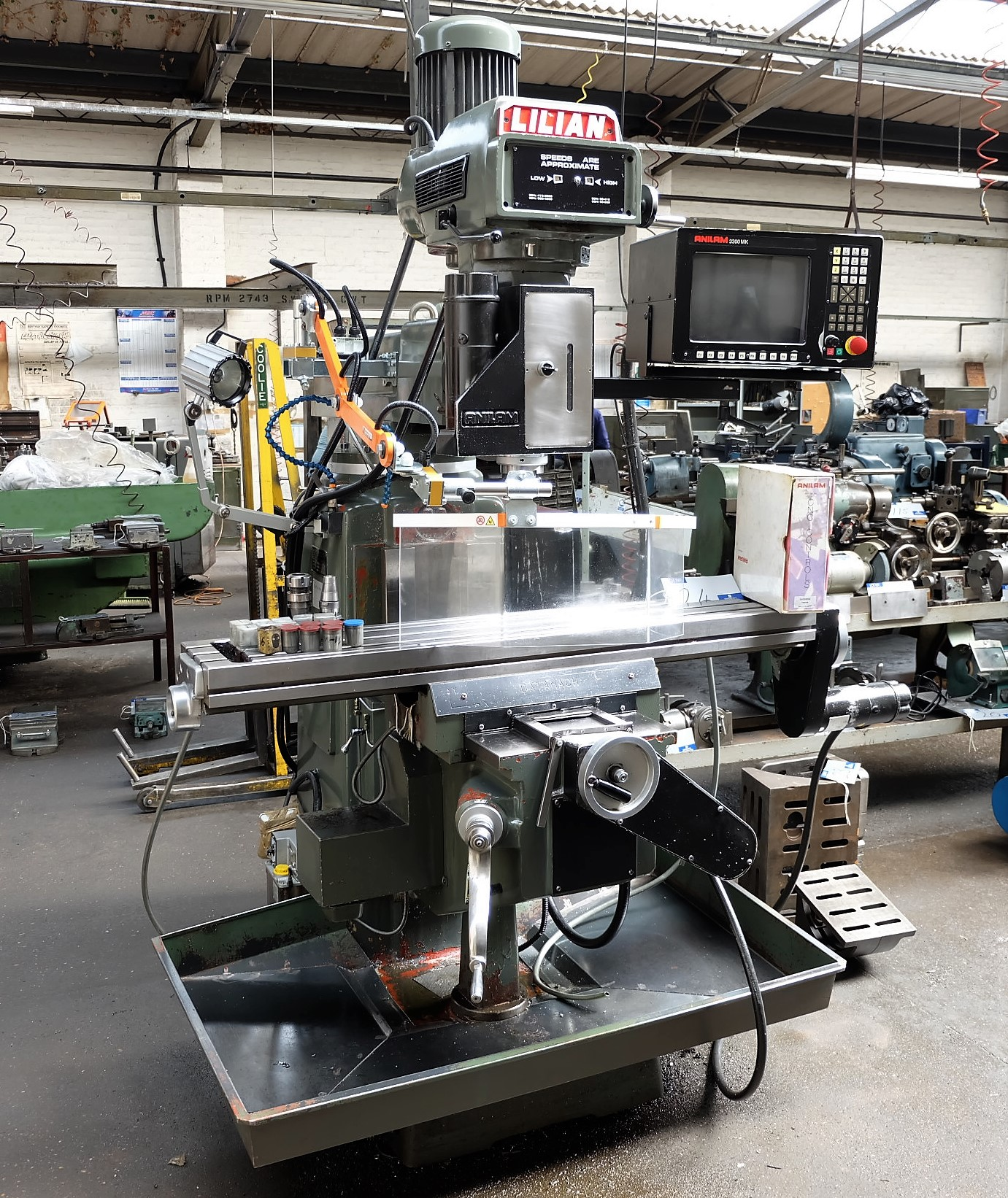 Lot 24 - A LILIAN Model 5VH CNC Vertical Turret Head Milling Machine No.9865 (2000), 54in x 10in table