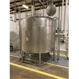 1500 Gallon Stainless Steel Mixing Tank , Full Sweep Agitation (missing agitator dr | Rig Fee: 600