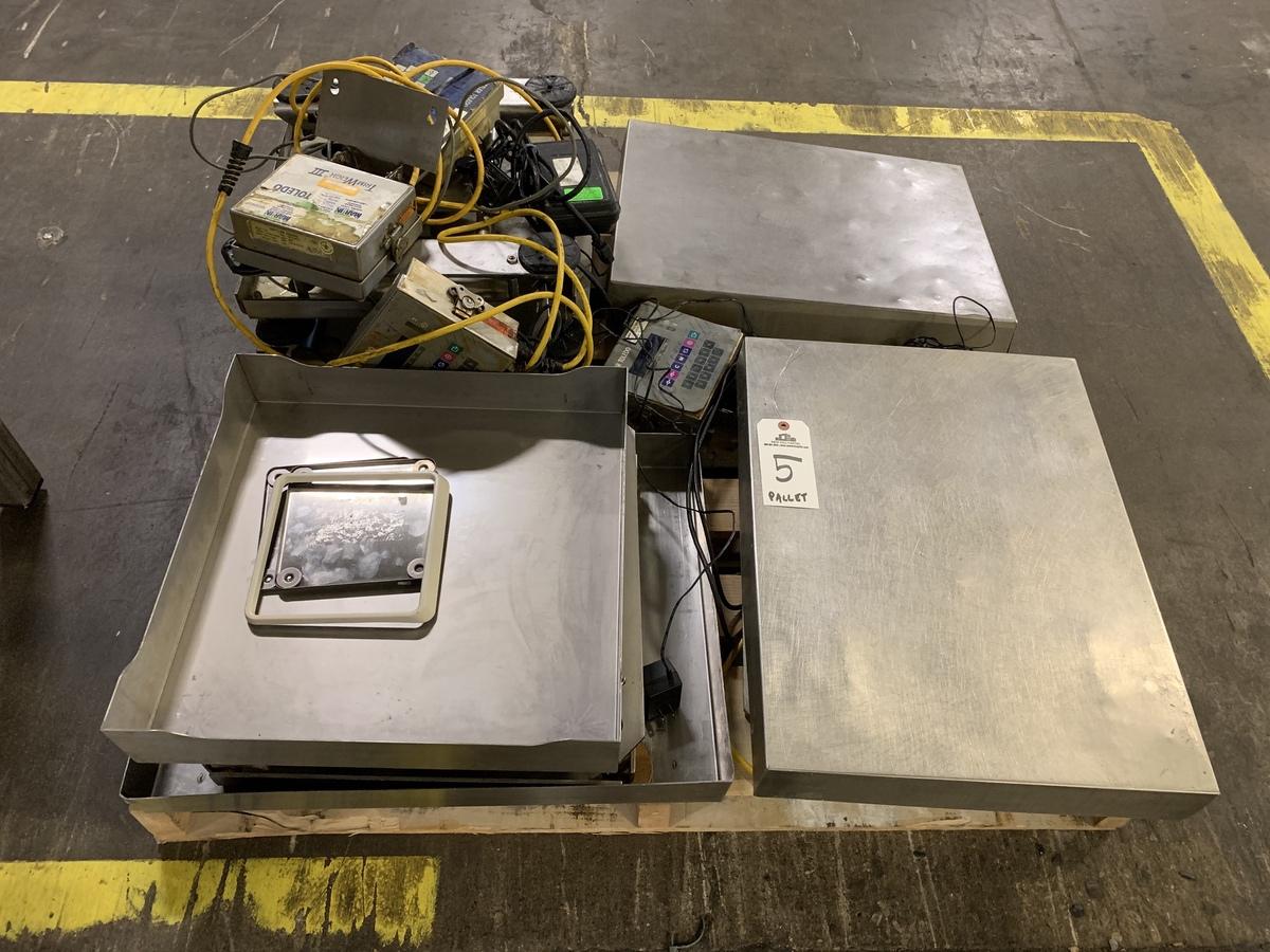 Lot 5 - Mettler Toledo Digital Scales on Pallet, 18 x 24 Platforms | Rig Fee: 25