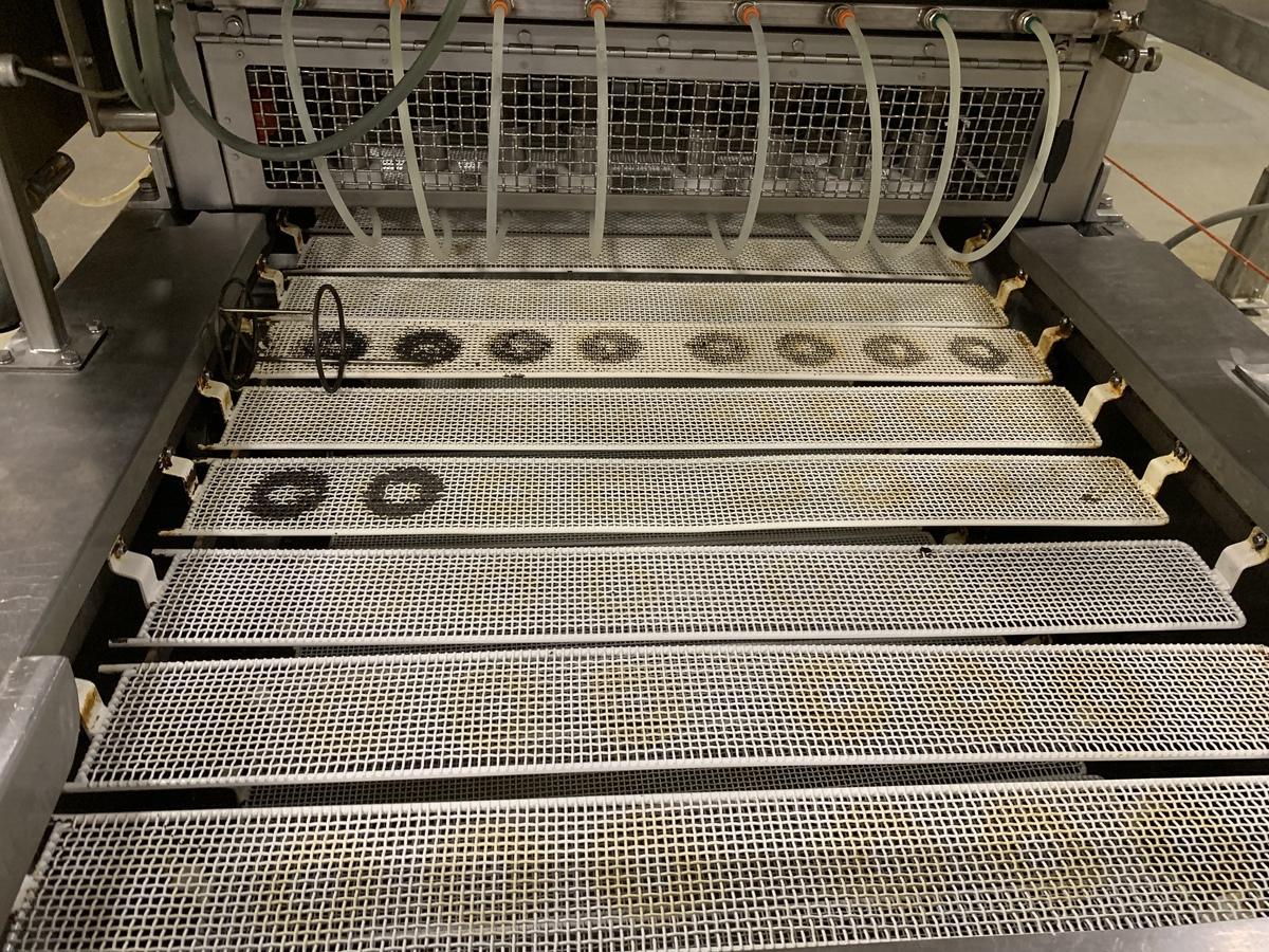 "Lot 15 - Moline 8-Up Donut Proofing Line Model D12-8, 35"" Belt Width, 4.5   Subject to Bulk   Rig Fee: 6250"