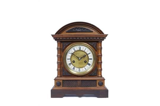 Dating Hamburg American Clock
