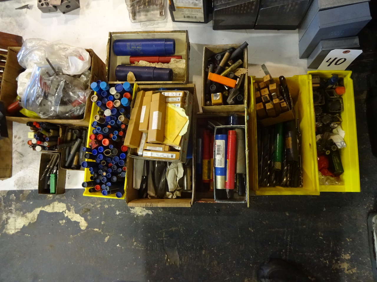 Lot 40 - LOT: Assorted Cutting Tools