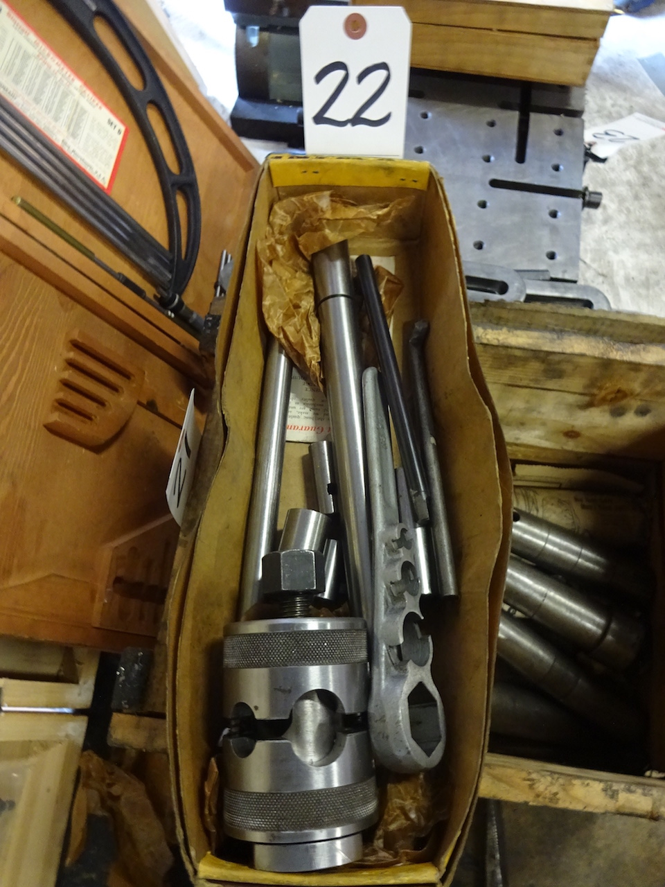Lot 22 - Armstrong Tool Holder