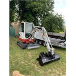 TAKEUCHI TB 225 LATEST MODEL 17 HRS ON SHOW DEMO ONLY HYD QUICK HITCH